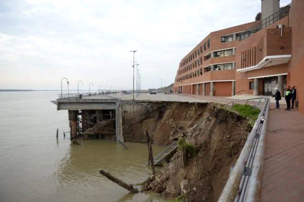 Así quedó el muelle de Parque España en Rosario. Foto: La Capital.
