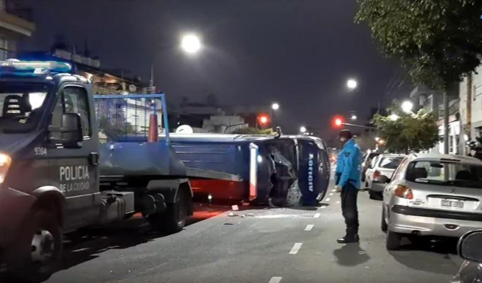 Peritos que iban a la casa de Chano chocaron y acabaron heridos