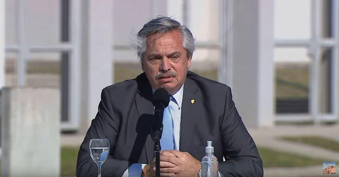 El presidente Alberto Fernández encabezó un acto de entrega de viviendas del plan Procrear.