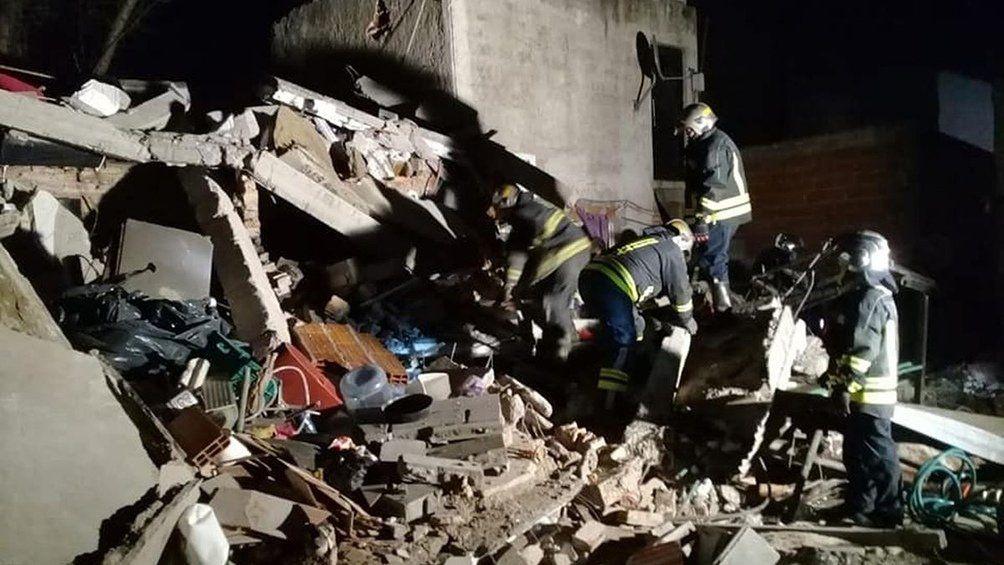 Lomas de Zamora: murieron dos mujeres al derrumbarse una casa.