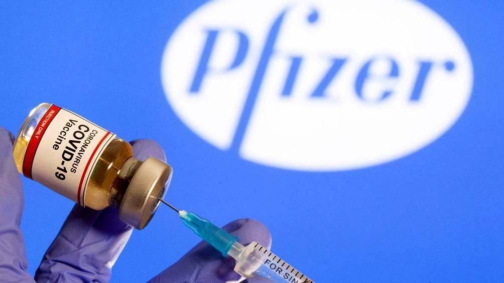 Pfizer: firman acuerdo vinculante por 20 millones de dosis.