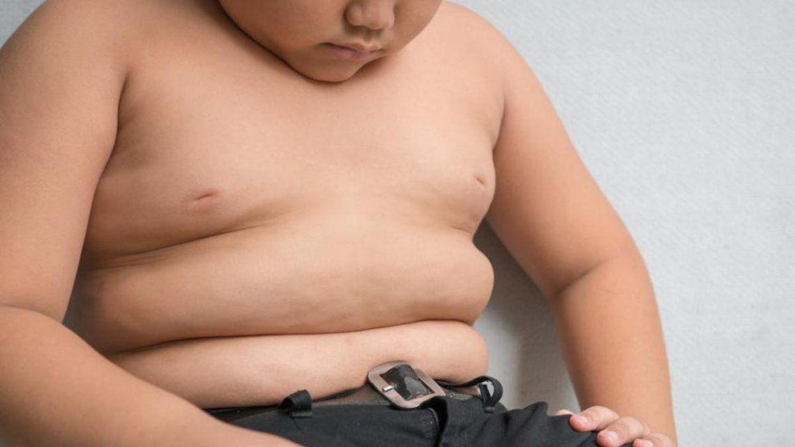 La obseidad y la presión arterial alta en niños y niñas crece
