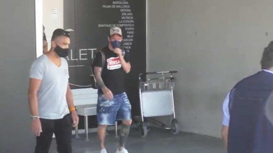 Lionel Messi en el aeropuerto El Prat