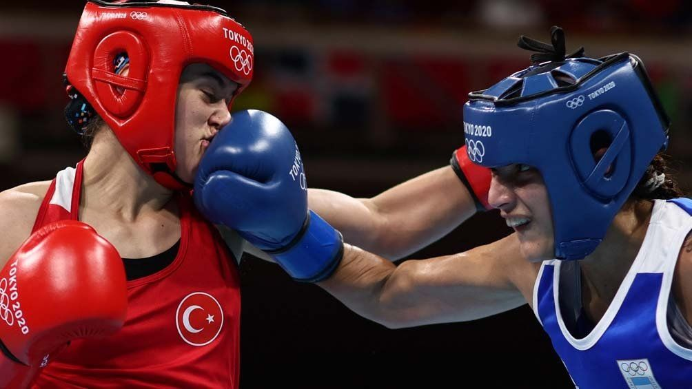 Dayana Sánchez cayó en fallo unánime ante la turca Esra Yildiz.
