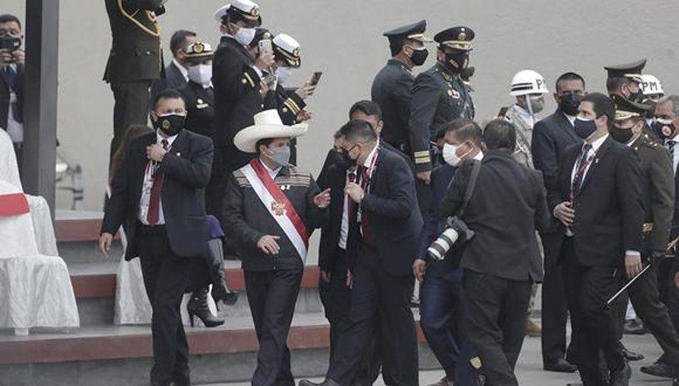 Pedro Castillo abandonó el lugar.
