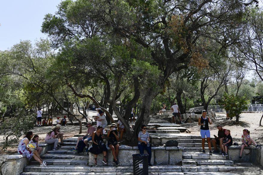 Ola de calor en Grecia: cierran la Acrópolis y parte de una autopista