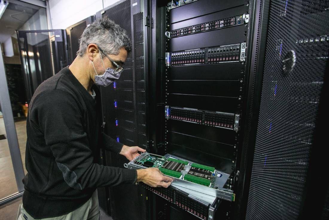 Serafín, la supercomputadora más grande del país, ya se encuentra funcionando