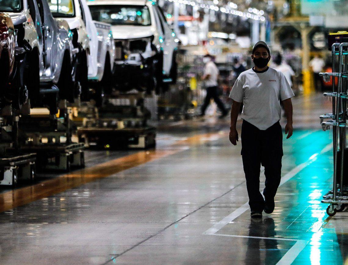 La actividad en la industria se disparó tras dos meses seguidos de caídas.
