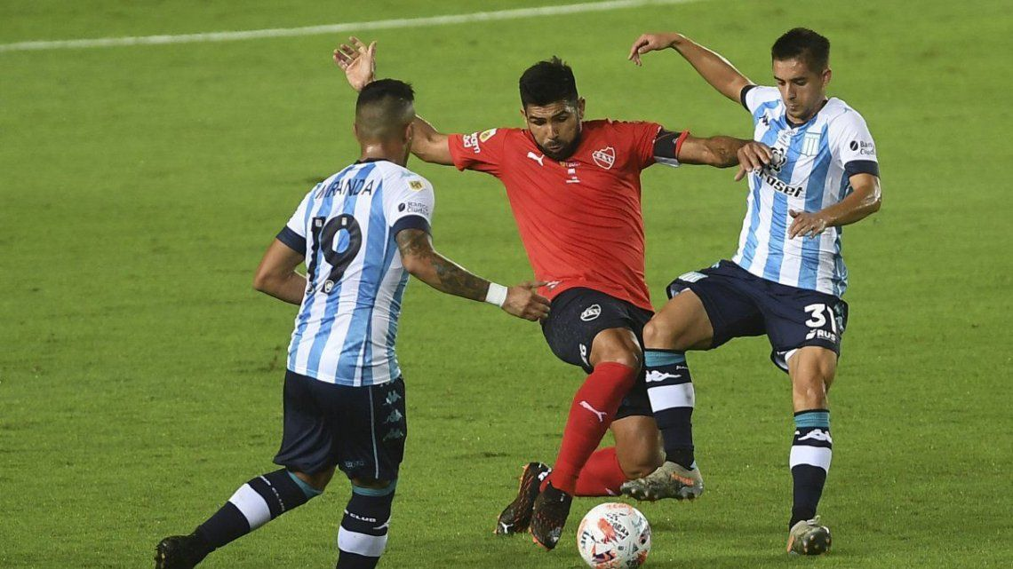En el último choque Racing superó 1-0 a Independiente en un final polémico