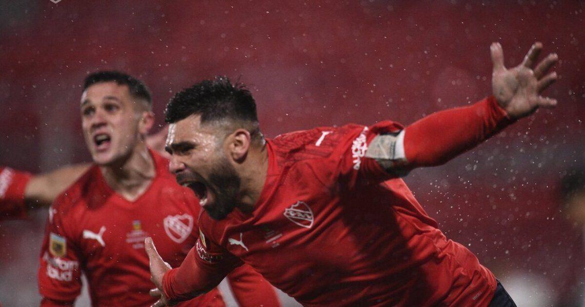Independiente gano y es líder del torneo.