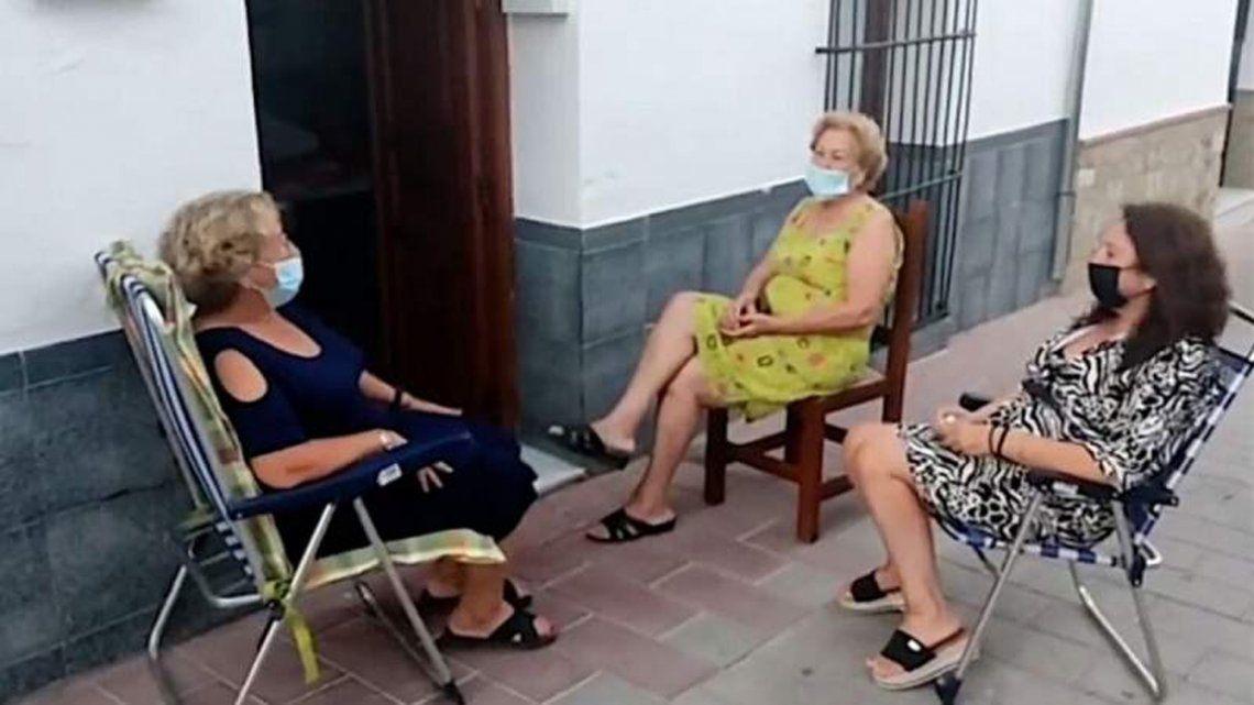España: pequeño pueblo quiere que charlar en la vereda sea Patrimonio de la Humanidad