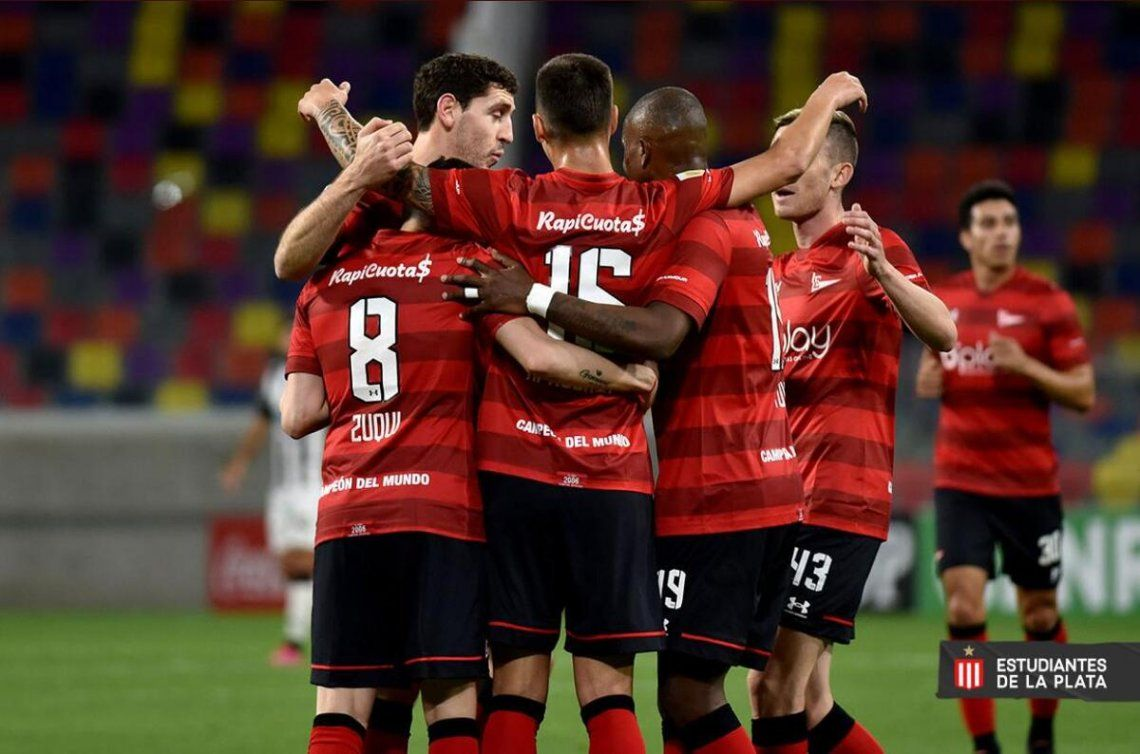 Estudiantes se llevó los tres puntos ante Central Córdoba.