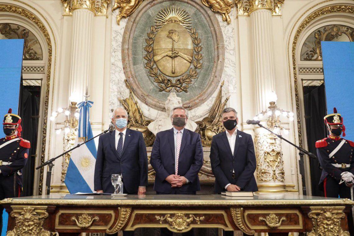 Juan Zabaleta y Jorge Taiana juraron como nuevos ministros.