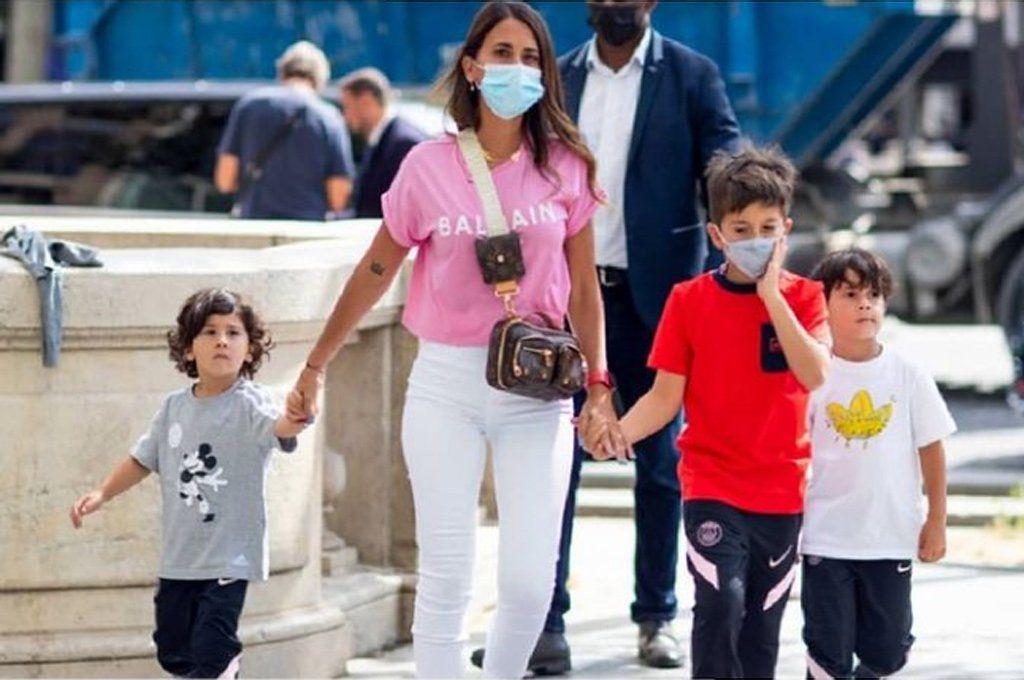 Antonela paseó por primera vez por París: el detalle común en sus hijos