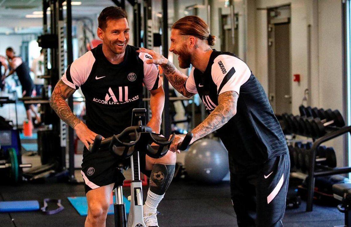Lionel Messi entrenando junto al PSG.