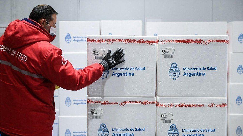 Distribuyen las dosis de la vacuna Sputnik V producidas en la Argentina