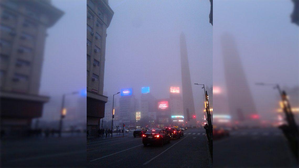 Alerta violeta por niebla en CABA y el este de Buenos Aires.
