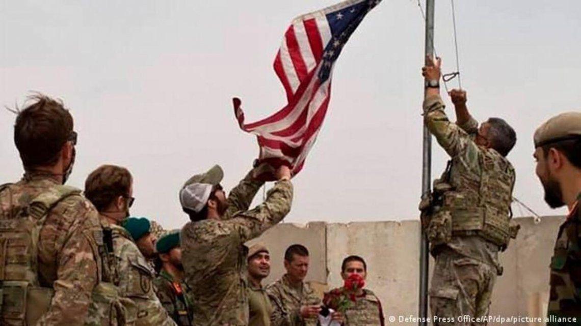Estados Unidos se retira de Kabul tras la llegada de los talibanes