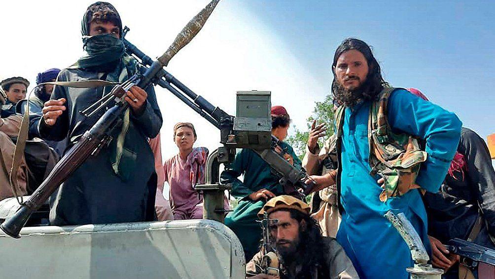 Afganistán: talibanes anuncian aministía y buscan sumar mujeres a su gobierno