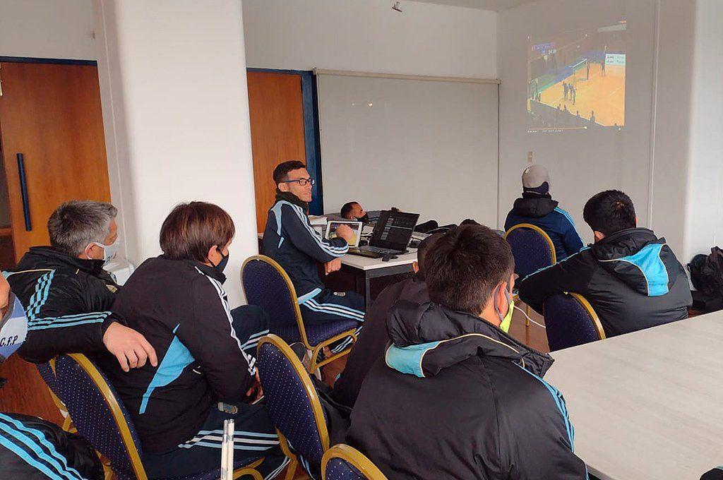 Los Murciélagos analizan a los rivales usando videos