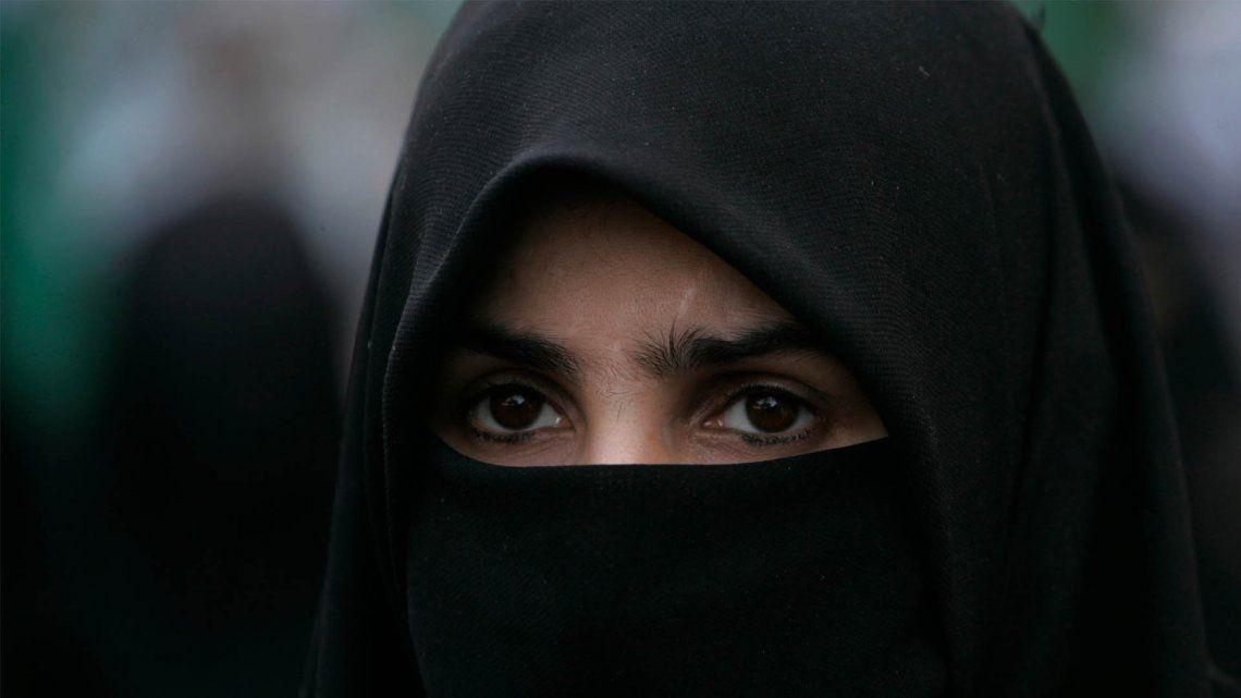 Afganistán: para las mujeres el velo será obligatorio, pero no el burka