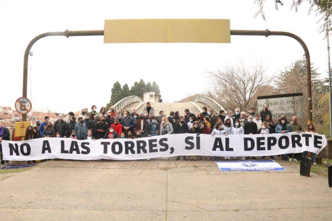 Reclamo contra la construcción de torres de lujo en la ex Ciudad Deportiva de Boca Juniors.
