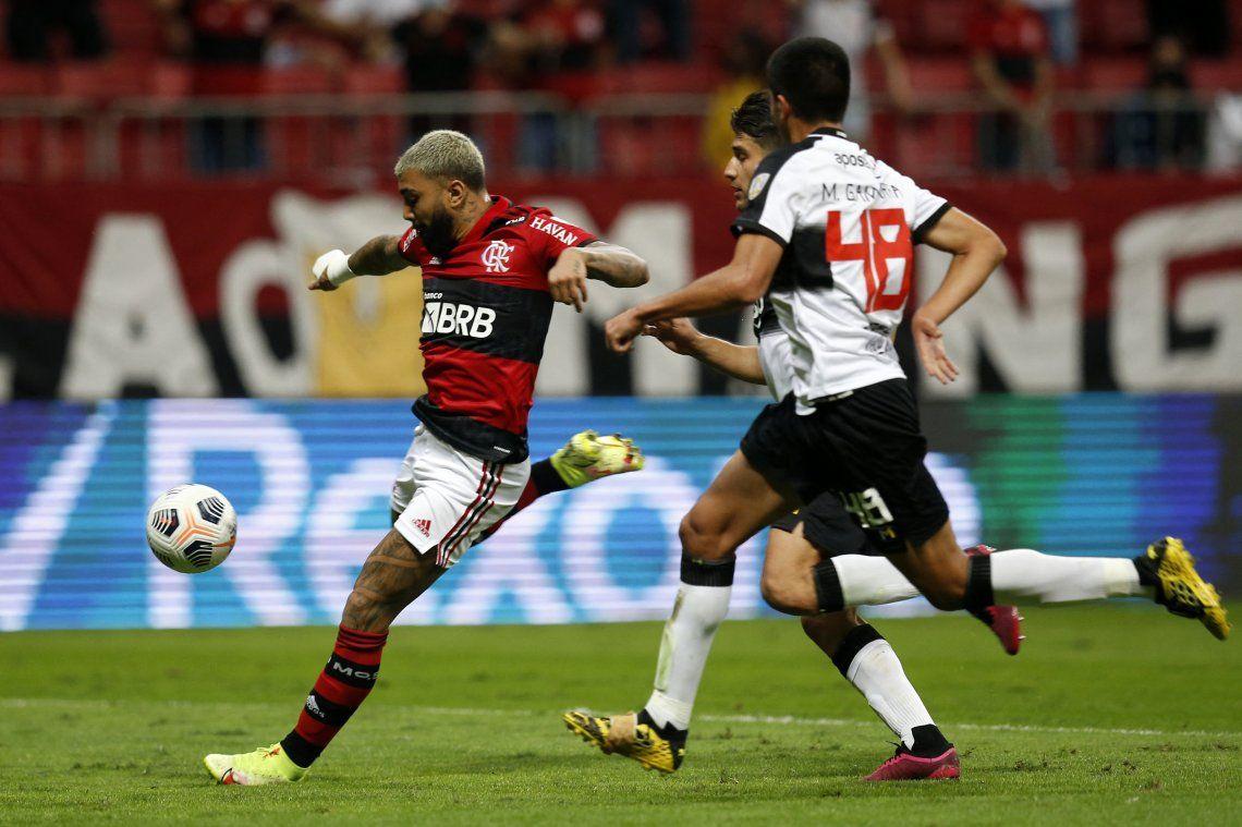 Flamengo cerró su serie con un contundente 9-2 y espera al ganador de Barcelona - Fluminense