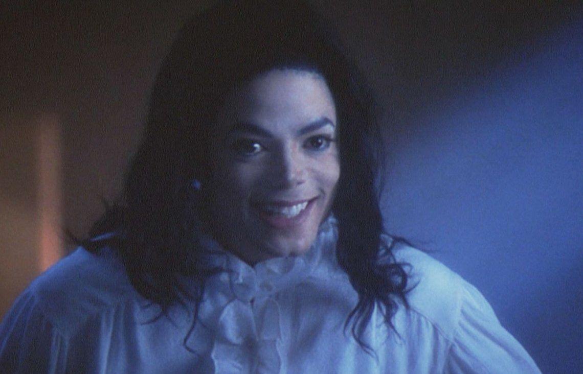Mujer dice que Martin Luther King la unió en matrimonio con el fantasma de Michael Jackson