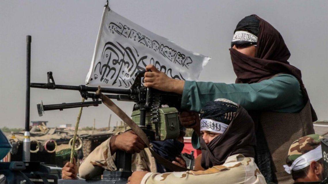 La oposición habla de lanzar una resistencia armada bajo la bandera de la Alianza del Norte.