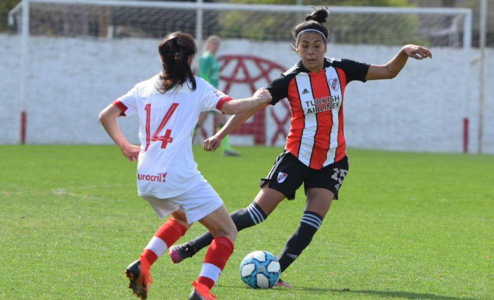 River venció a Huracán y manda en el fútbol femenino