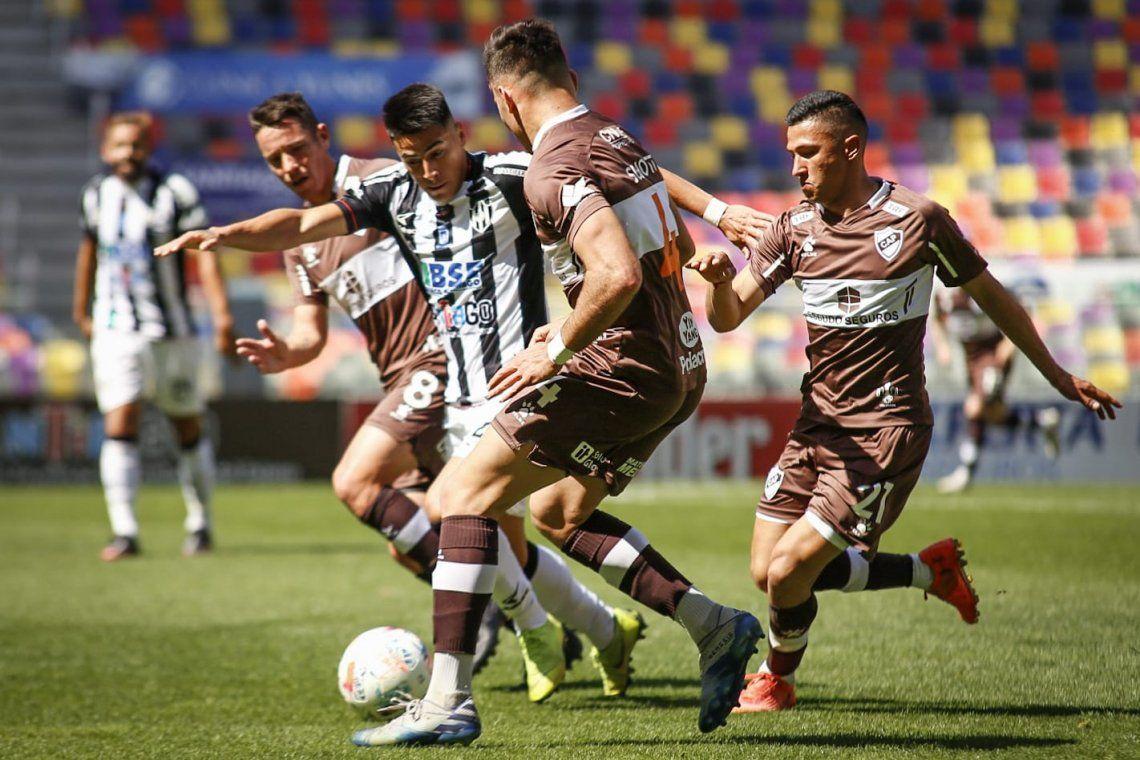 Platense y Central Córdoba igualaron 2-2 en un entretenido encuentro disputado en Santiago del Estero