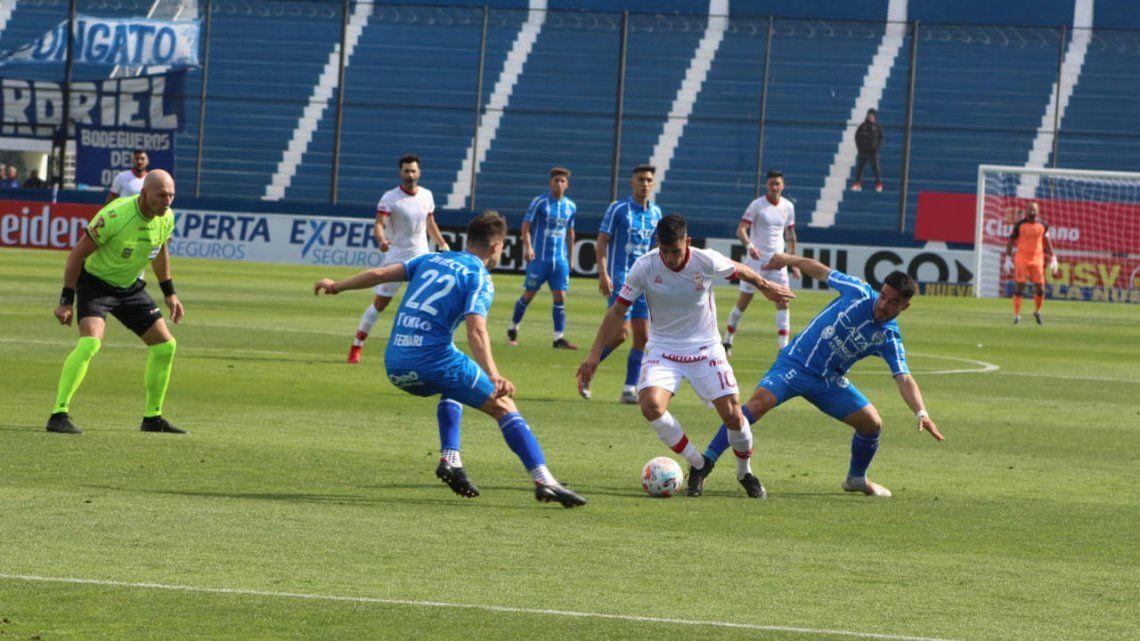 Godoy Cruz empató 1 a 1 frente a Huracán.