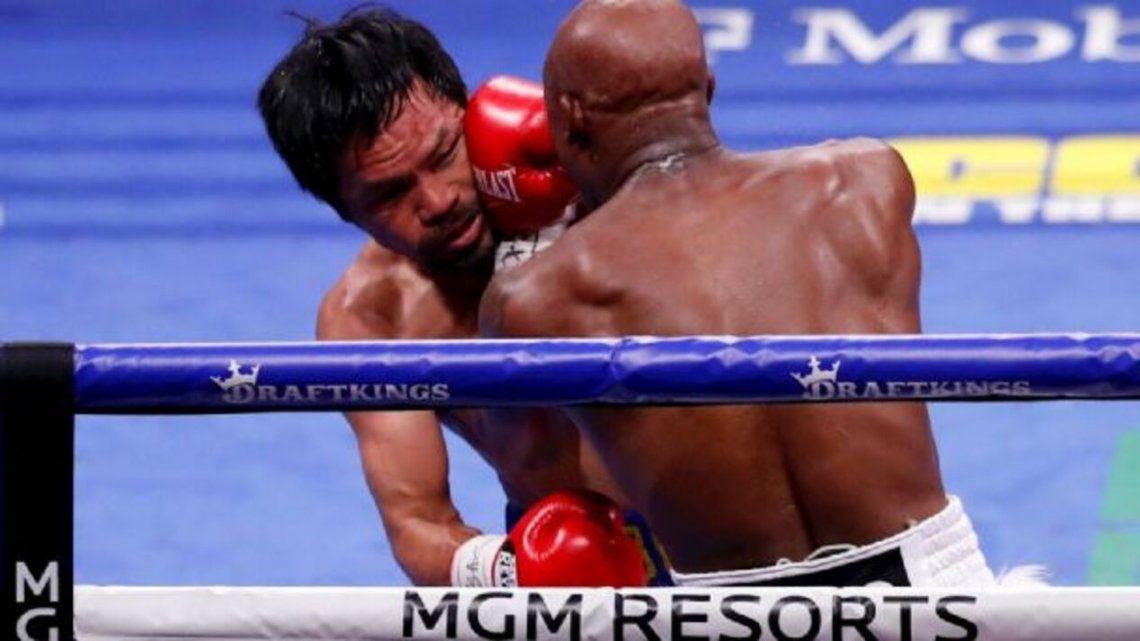 El cubano Yordenis Ugás derrotó por puntos al legendario filipino Manny Pacquiao