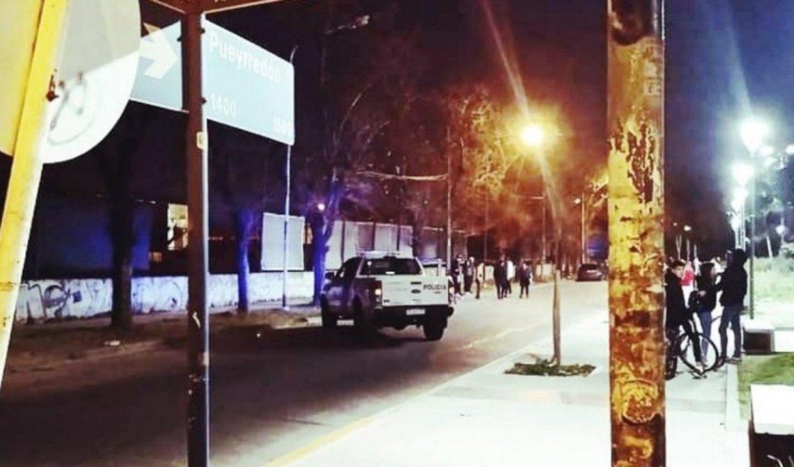 El crimen se produjo anoche en la Plaza Bomberitos