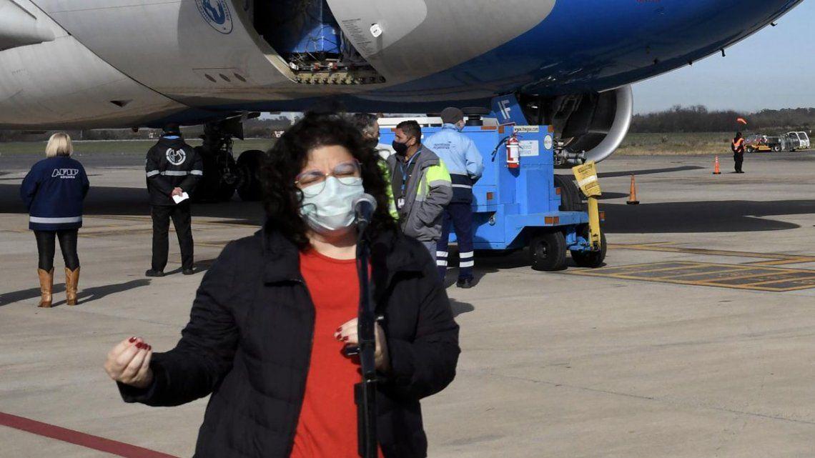 Vizzotti realizó declaraciones a la prensa al arribar esta mañana al aeropuerto de Ezeiza.
