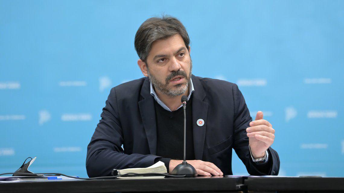 El jefe de Gabinete de Ministros brindó una conferencia junto al gobernador Kicillof.