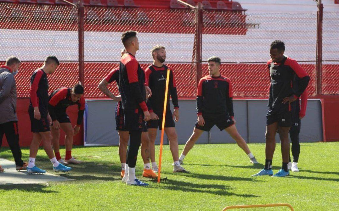 El plantel de Huracán en el entrenamiento de hoy.