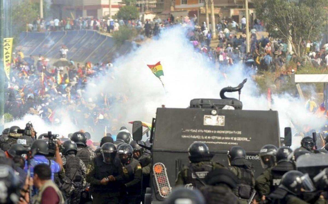 Piden que Macri sea separado de la Fundación FIFA por haber apoyado el golpe en Bolivia.