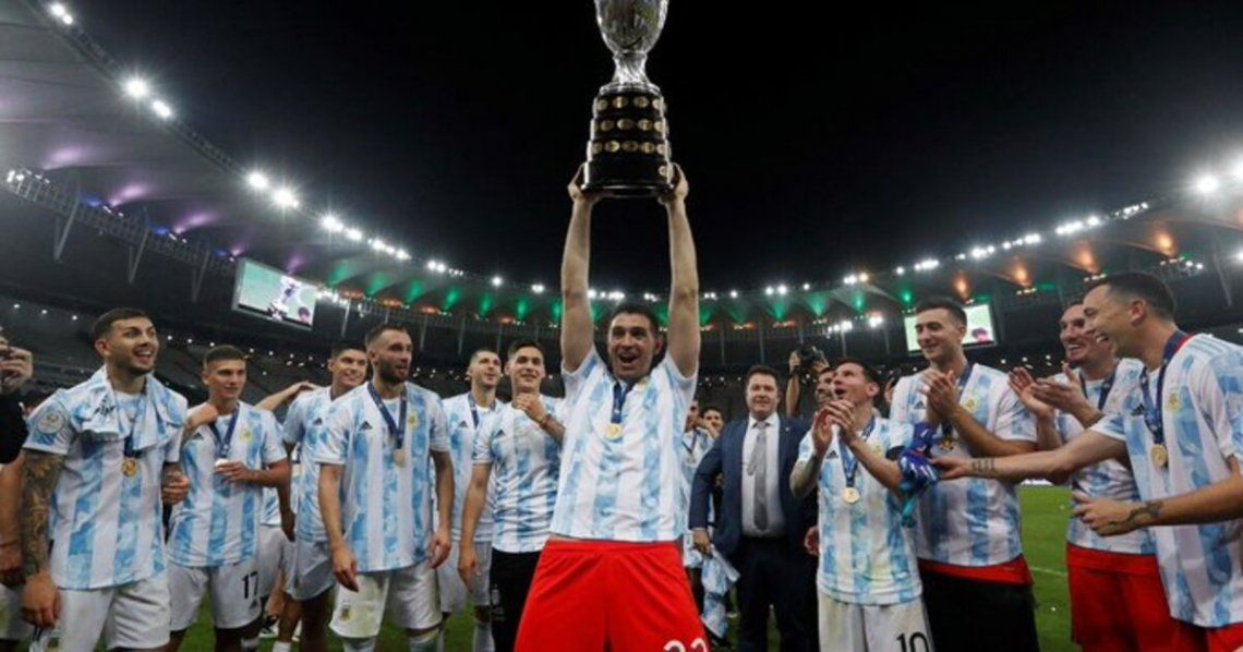 Dibu Martínez sería uno de los afectados que no podría jugar las Eliminatorias