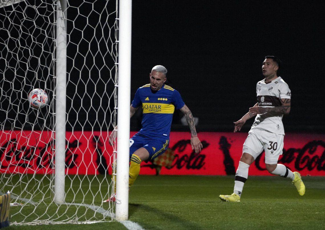 Briasco anotó su primer gol con la camiseta de Boca.