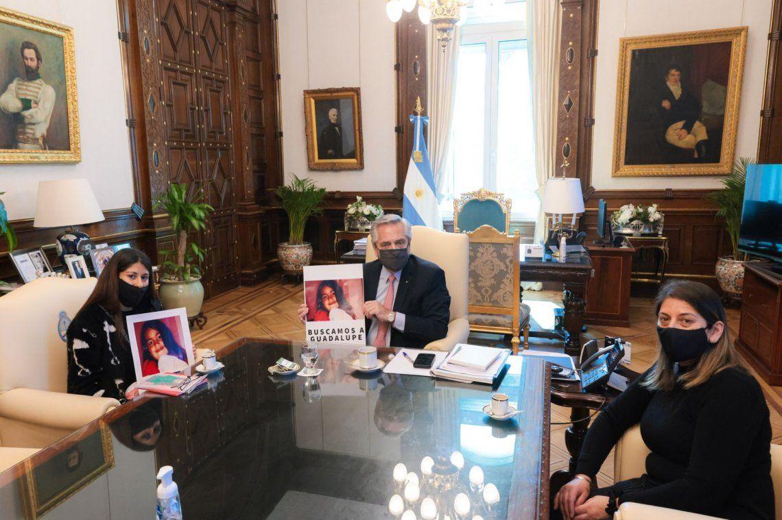 El presidente recibió este mediodía en Casa Rosada a la mamá y la abuela de Guadalupe Lucero.