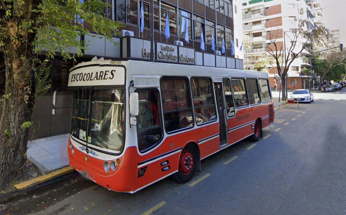 Ciudad de Buenos Aires: un estudiante denunció que lo quisieron subir a una camioneta cuando llegaba a su colegio
