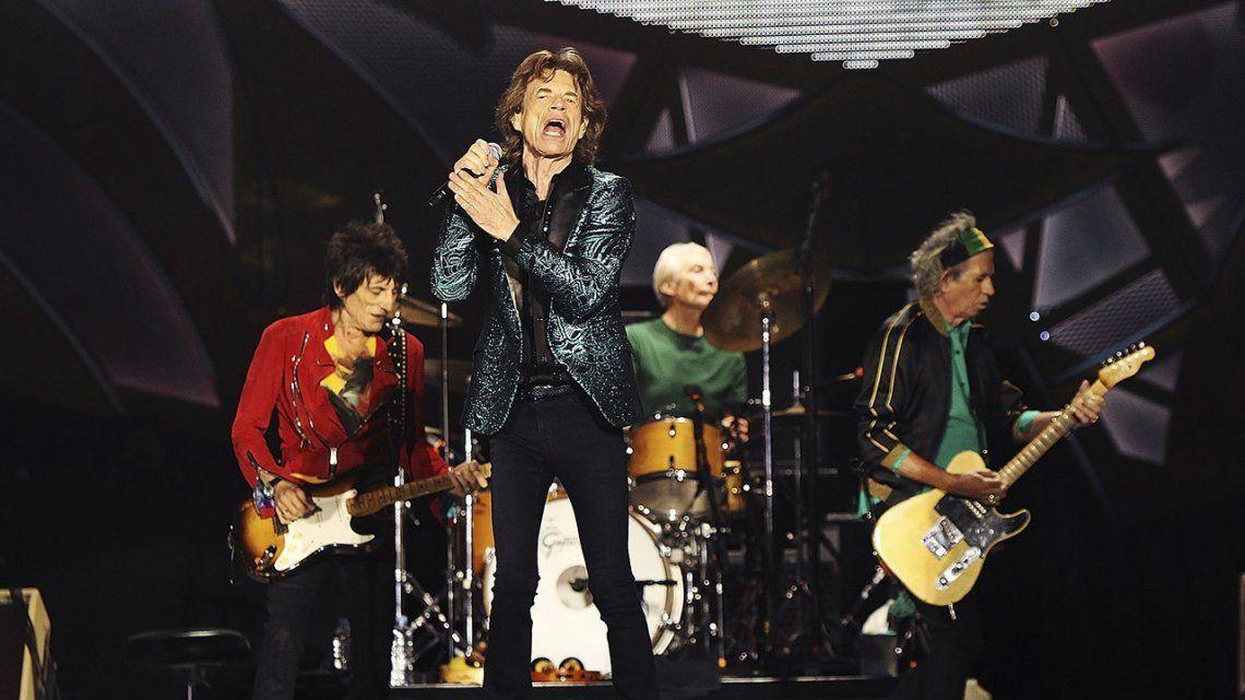 Los Rolling Stones no suspenderá su gira tras la muerte de Charlie Watts.
