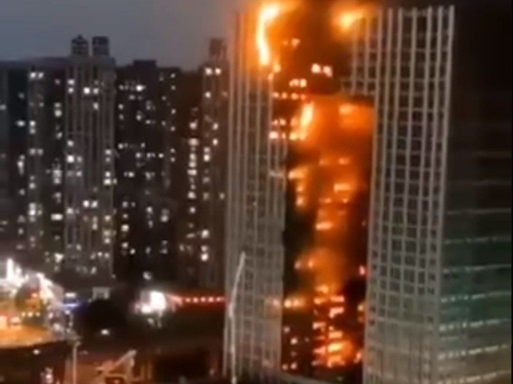 Incendio en la torre.