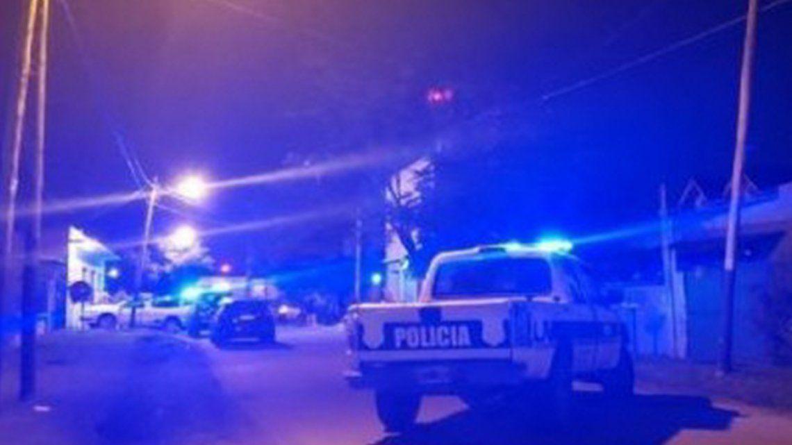 La agresora quedó detenida cuando la policía acudió al llamado de emergencia por el hecho ocurrido en Glew.