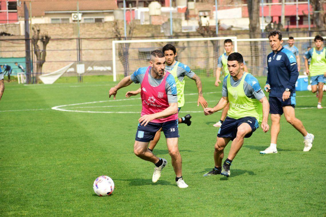 Lisandro López ya entrena a la par del resto y podría ser de la partida ante Banfield