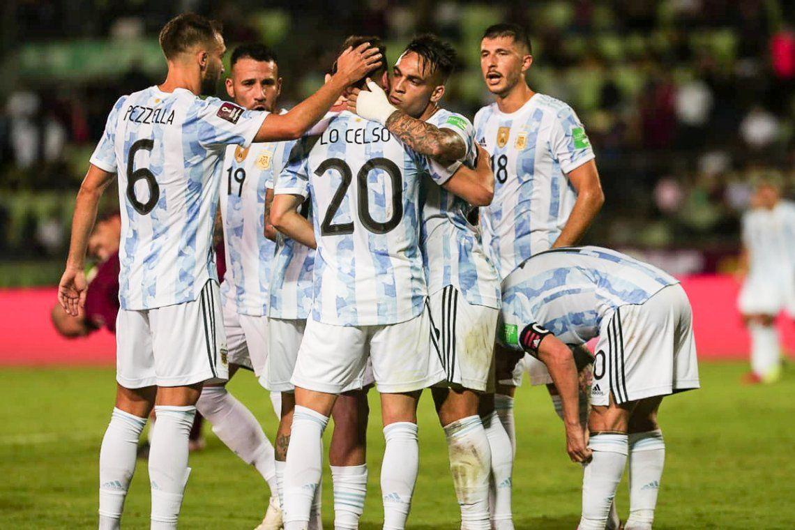 Argentina festejó en Venezuela y sigue a paso firme.