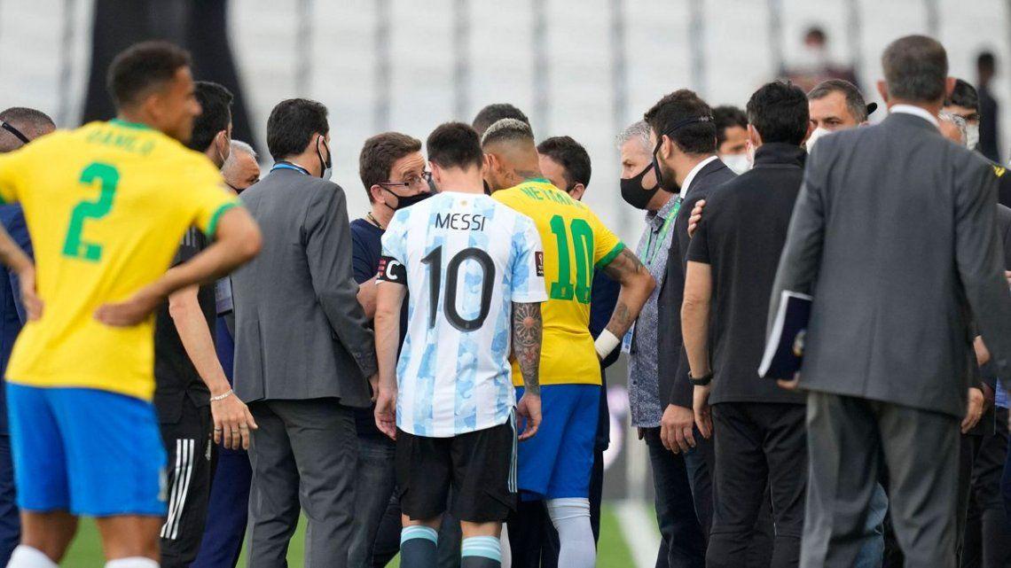 Messi y Neymar hablaron con las autoridades de ANVISA para tratar de destrabar la situación.