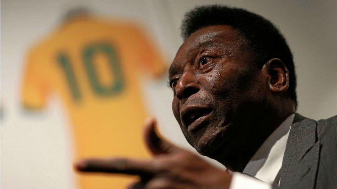 "El exfutbolista brasileño Edson Arantes do Nascimento ""Pelé"" fue ingresado desde hace seis días en un hospital de San Pablo."