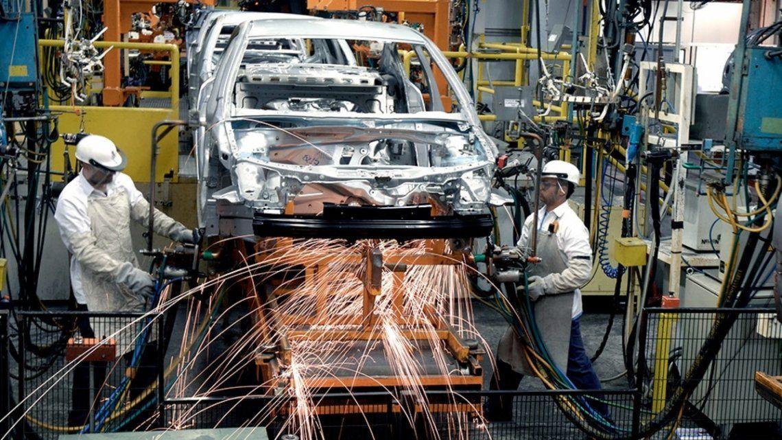 La industria y la construcción crecieron por noveno mes consecutivo.